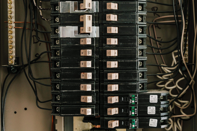 5 reasons for circuit breaker repair - southern electrical