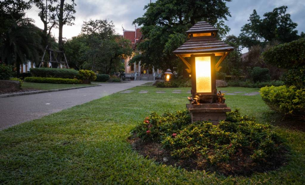 landscape lighting solutions in Leesburg with SESCOS