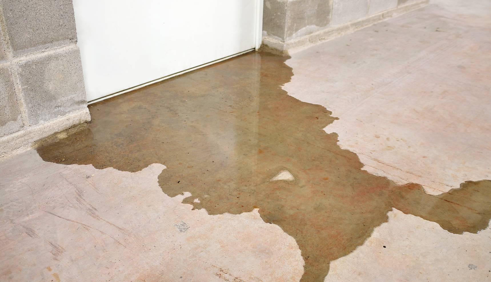 Image of water damage in basement